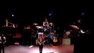 "drake bell TEATRO DIANA ""unbelievable"""