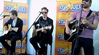 """Duran Duran """"Leave A Light On"""" at the Star Acoustic Set"""