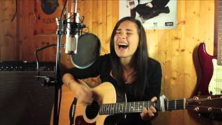 ViRGiNiE - Wide Awake (Katy Perry cover)