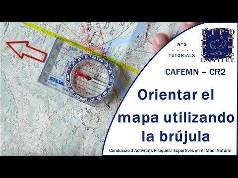 Orientar el mapa utilizando una brújula