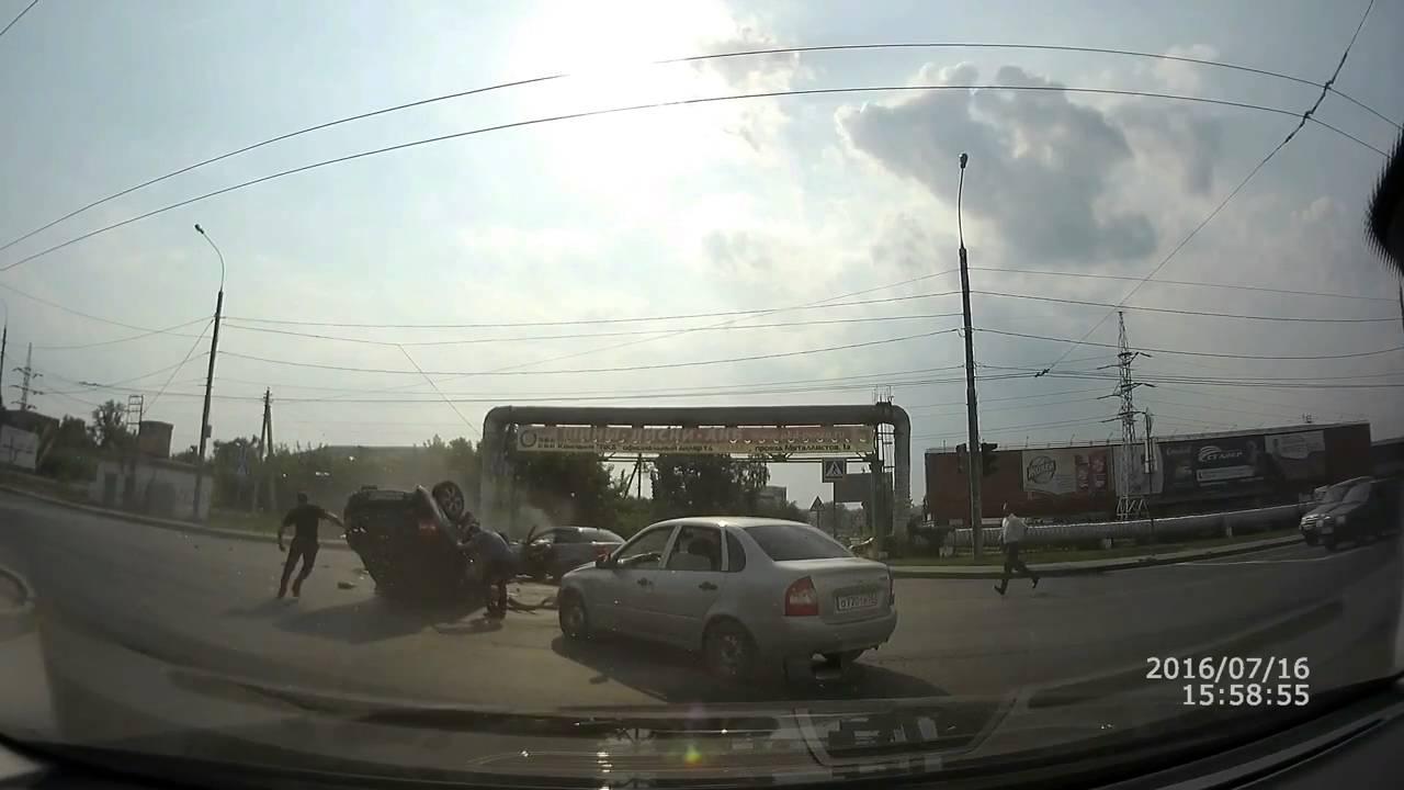 Столкновение трех автомобилей на улице Баумана в Пензе