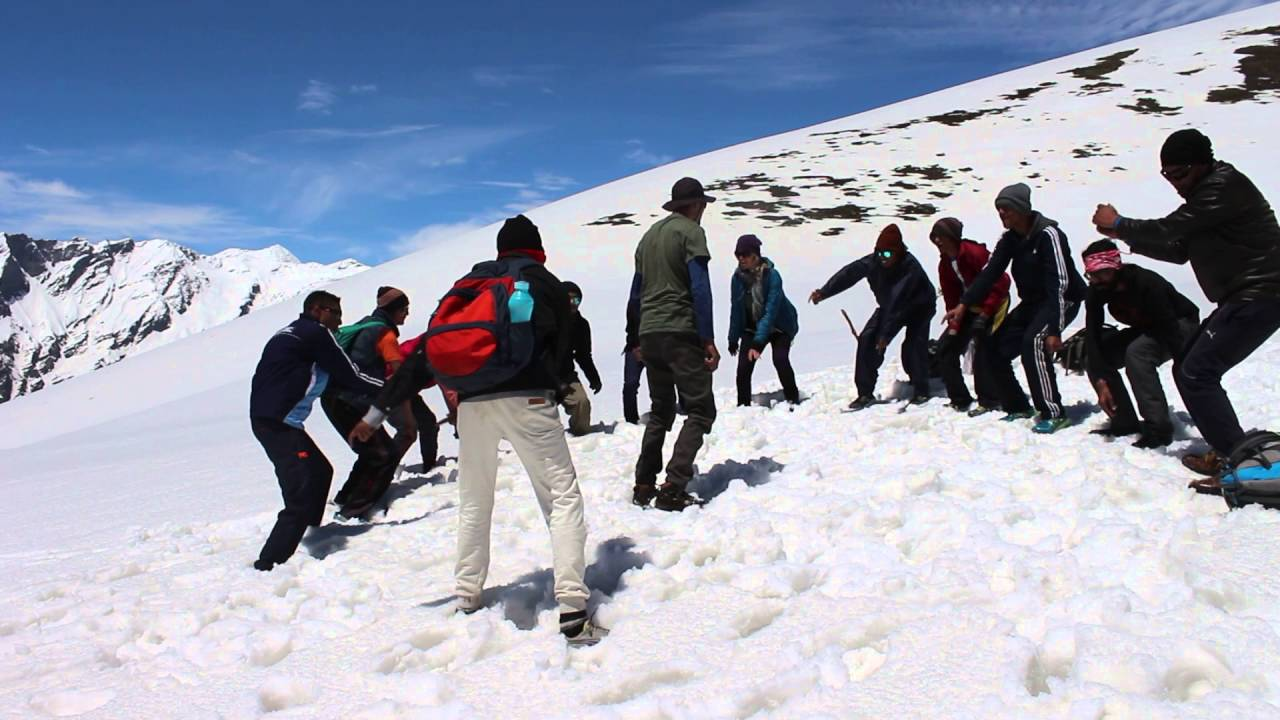 Snow Trekking in Manali Video