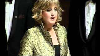 Lagu Nina Bobo Dinyanyikan Penyanyi Asal Belanda