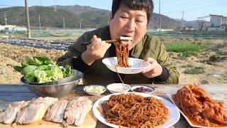 시원하고 매콤한 막국수와 잘 익은 보쌈!! (Bossam & Buckwheat Noodles) 요리&먹방!! - Mukbang Eating Show