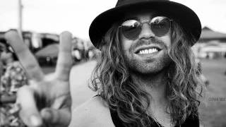 Howlin' At The Moon - Mod Sun