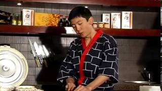 Смотреть онлайн Полный курс: как правильно готовить суши и роллы дома
