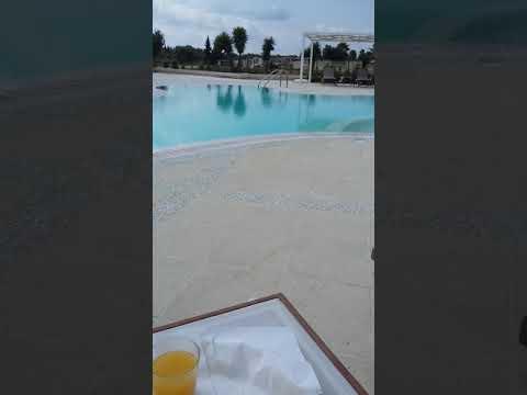 Colazione a bordo piscina