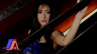 Gadis Bukan Perawan   Lynda Moymoy - Hot Dangdut (HD)