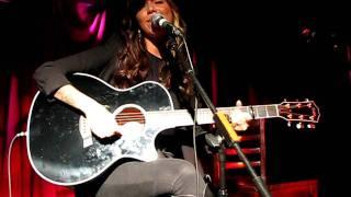 Christina Perri sings Daydream (Live at Water Rats - LONDON -UK)