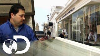La Difícil Fabricación De Vidrios Curvos | ¿Cómo Lo Hacen? | Discovery Latinoamérica