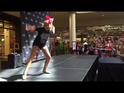 JoJo Siwa   JoJo Dancing To Fight Song