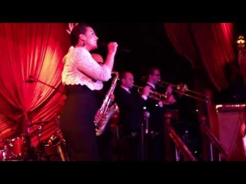 Caro Emerald - Completely  (live - release)