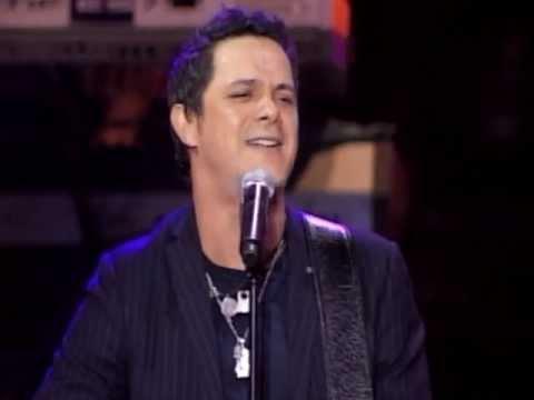 """Alejandro Sanz Canta Su Inolvidable """"Corazón Partío"""""""