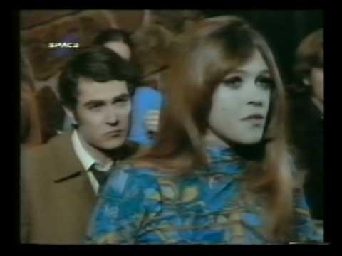 El extraño de pelo largo -  pelicula -  La joven guardia -