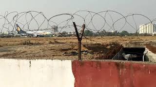 जयपुर हवाई अड्डा पर रनअप करती हुई प्लेन देखिये कैसे उड़ती हैं