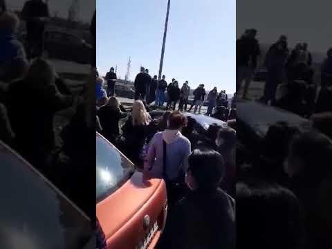 """Radnici """"Jure"""" i dalje u štrajku ispred fabrike, mali broj radi [video]"""