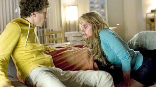 小伙救下一个美丽女孩,与她相拥而眠,可半夜女孩却变成了丧尸!
