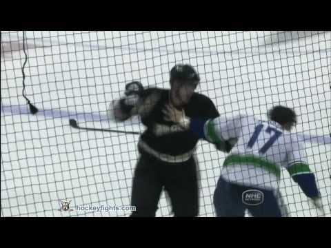 Corey Perry vs. Ryan Kesler