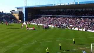 preview picture of video 'Gillingham FC lifting the Npower League Two trophy 2013.'