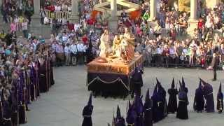 preview picture of video 'Cofradía de la Santa Vera Cruz, Disciplina y Penitencia - Semana Santa Zamora 2015'