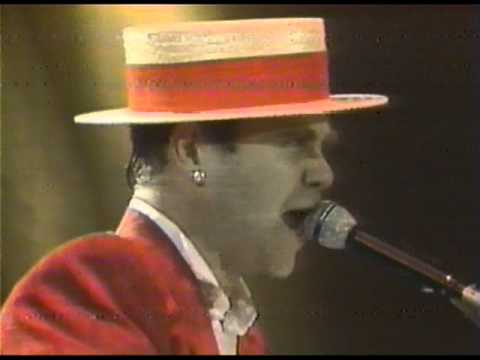 Elton John - Saturday Night's (Alright for Fighting) - Wembley 1984 (HQ Audio)