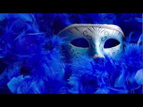 Le masque de lirritation sous les yeux