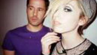 The Ting Tings - Traffic Light