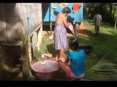 Filipino nude pic in the bath - robion2017.com