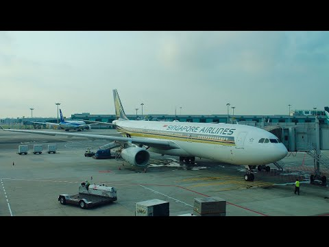 Singapore Airlines A330-300 Business Class Seat Review | Aviation Geeks