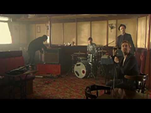 Kaiser Chiefs - Never Miss A Beat (Official Video)