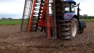 preview picture of video 'Brona talerzowa - Euro-masz maszyny rolnicze'