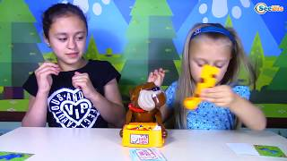 The Bad Dog Game Beware of the Dog Flake Out Playing Dog VS Girls | Family Fun Game for Kids!
