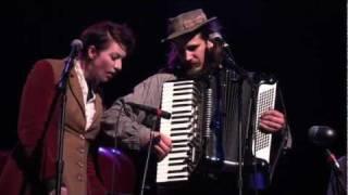 "Jason Webley with Amanda Palmer LIVE ""Elephant Elephant"" 11/11/11 (9/29) HD"