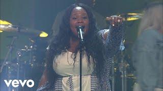Tasha Cobbs Leonard - Put A Praise On It (Praise/Live At Passion City Church)