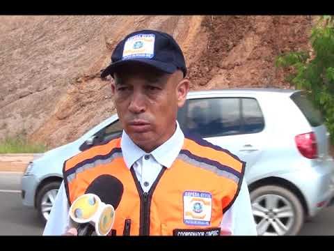 Defesa Civil fala sobre deslizamento de terra e interdição na Avenida Fátima Porto