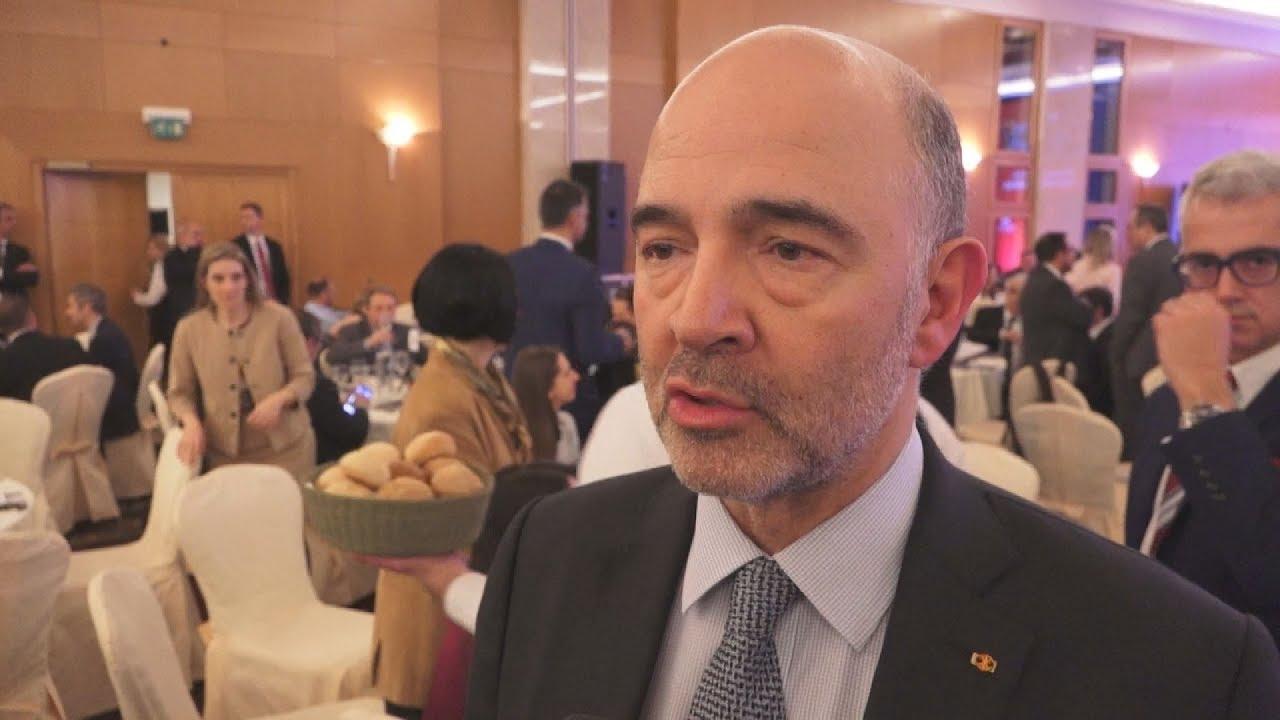Συνέντευξη του Πιερ Μοσκοβισί στη κάμερα του ΑΠΕ-ΜΠΕ