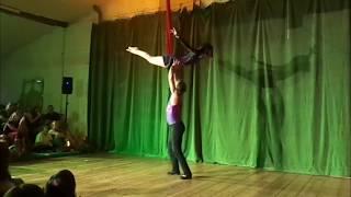 Duo Akrobatik mit Bachata Tanz