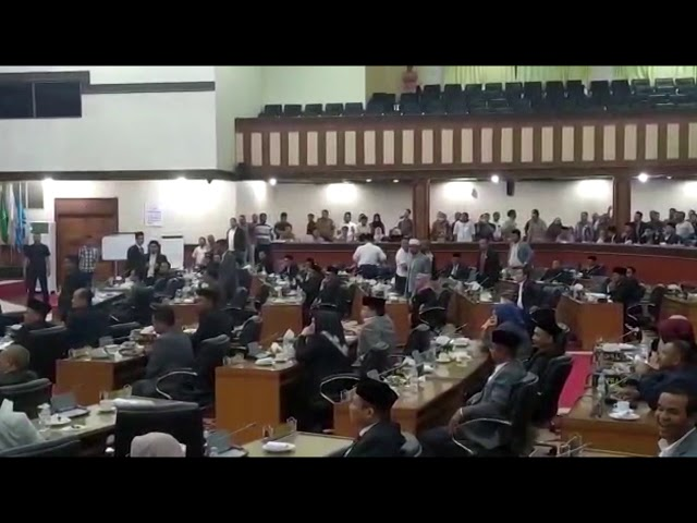 Video Sidang Paripurna AKD DPRA Rusuh