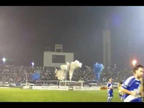 """""""La Brava de Alvarado en un partido del Argentino B (Hinchada de Primera)"""" Barra: La Brava • Club: Alvarado"""