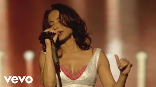 Sade - The Sweetest Taboo (Live 2011)