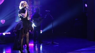 RaeLynn Performs