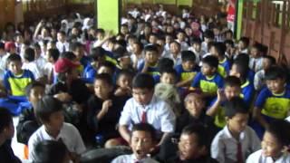 Riska Promo Lagu Bebas Di SD 15 TangerangMP4