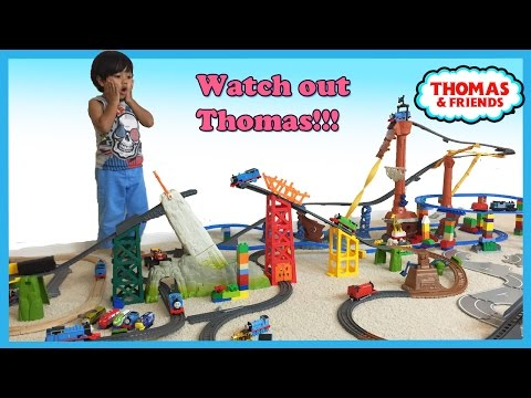 Thomas and Friends Trackmaster Shipwreck Rails Set with Ryan