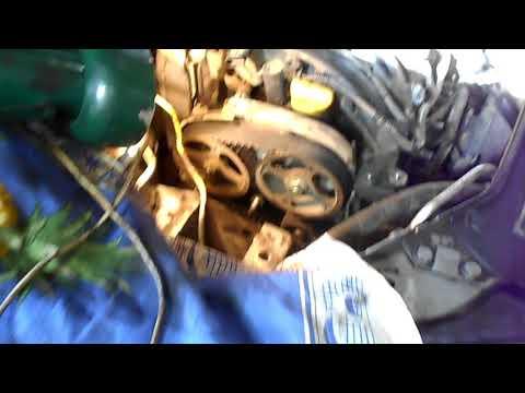 Фото к видео: как поменять на рено клио,симбол ремень грм,двигатель К4J Часть 1
