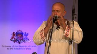 Michal Smetanka plays Jew's harp musical instrument