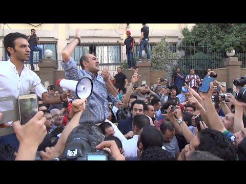 «خالد علي وكمال خليل» يتظاهران أمام «الصحفيين» في «جمعة الأرض»