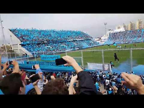 """BELGRANO VUELVE A ALBERDI !! Recibimiento vs san martin sj"" Barra: Los Piratas Celestes de Alberdi • Club: Belgrano"