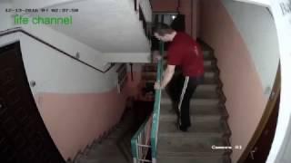 """""""Шоу Бэнни Хилла-2"""" в Тверском подъезде (прикольная озвучка-дополнение)"""