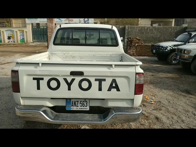 Toyota Hilux Double Cab 2002 for Sale in Islamabad