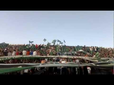 """""""LA BANDA DEL PUEBLO VIEJO- SEÑORES YO SOY DEL PUEBLO VIEJO"""" Barra: La Banda del Pueblo Viejo • Club: San Martín de San Juan"""
